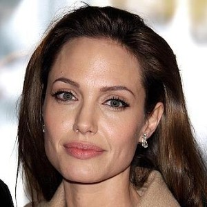 Angelina Jolie suffers white powder nightmare