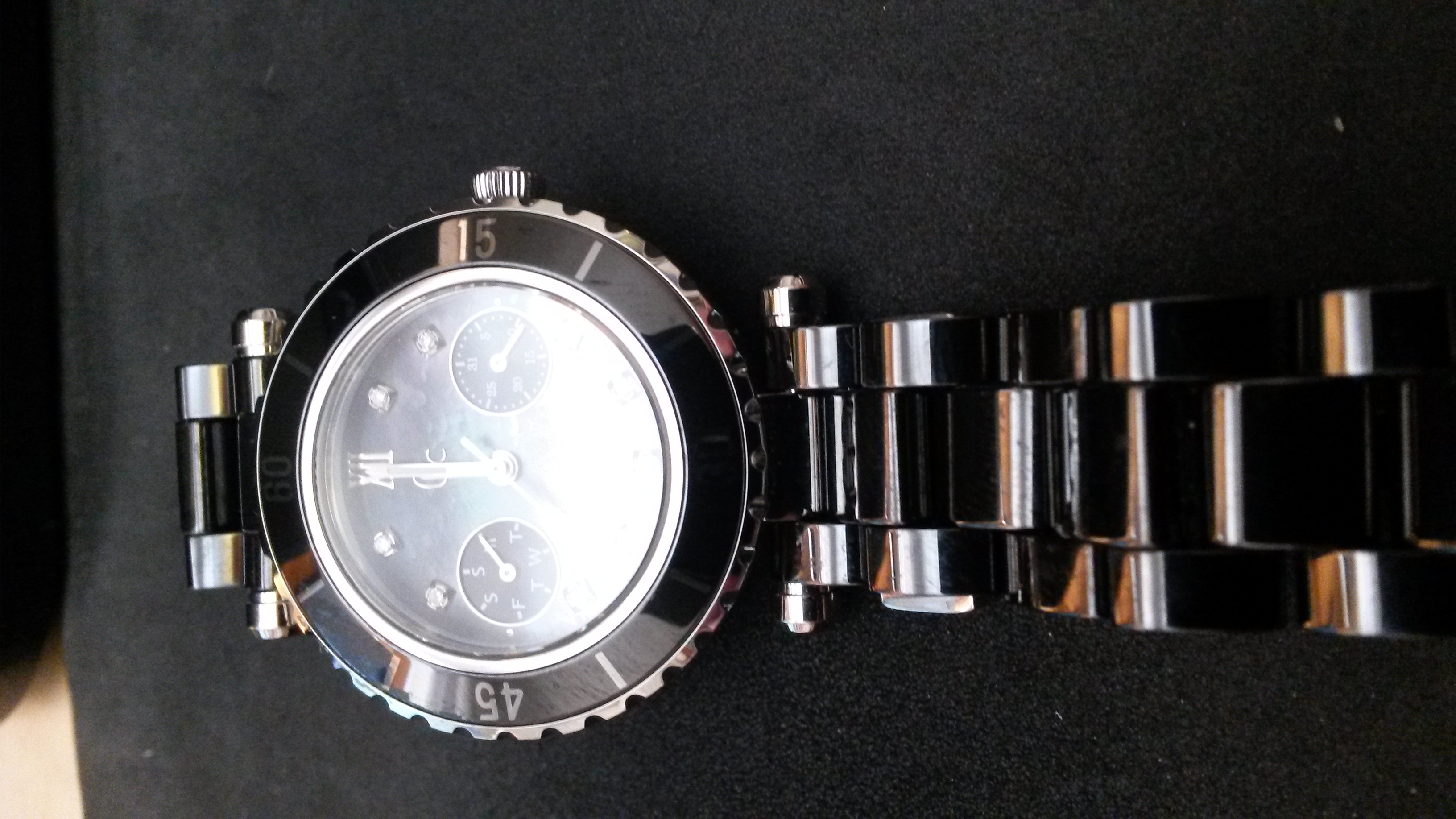 26088f0e7 A beautiful Ladies Gc Diver Chic Ceramic Diamond Watch I46003L2 , dark  grey-black strap and watch face, with two inner dials days of the week &  date see ...