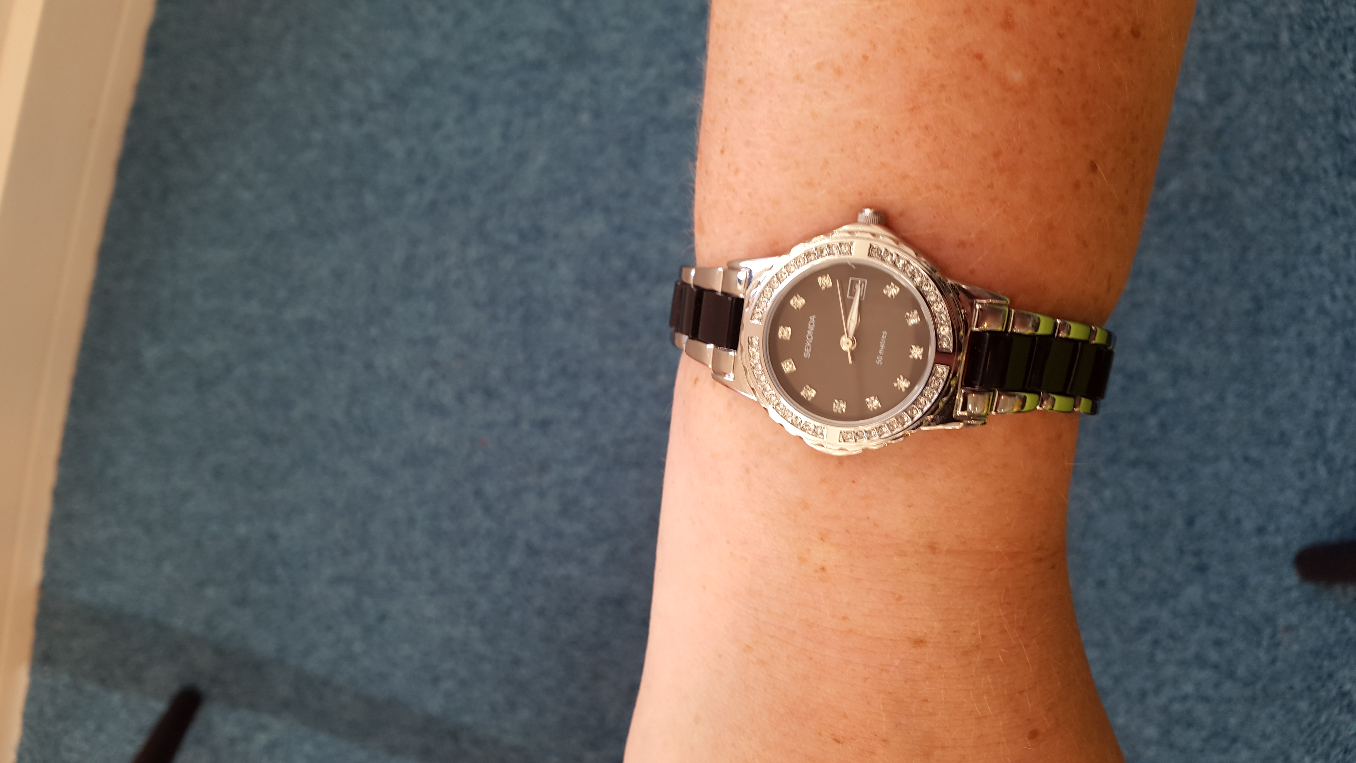 a2aa46aa92a5 Very happy with the watch i recieved. Good quality. And arrived on time.  Looks great on+!!