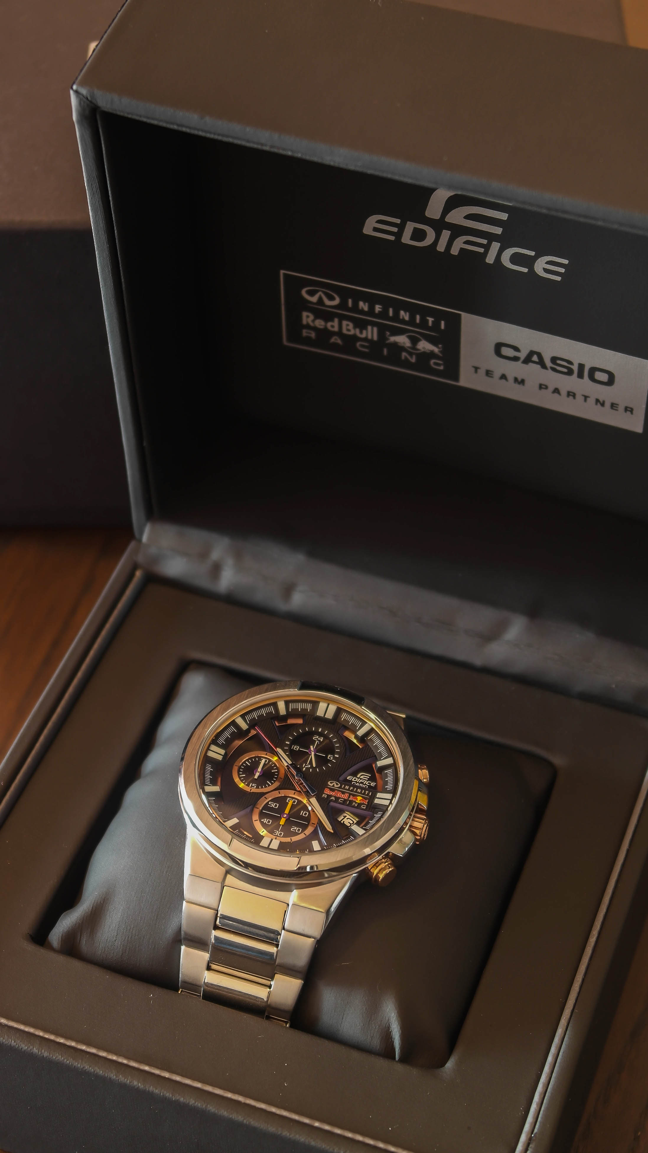 Gents Casio Edifice Infiniti Red Bull Racing Chronograph Watch Efr