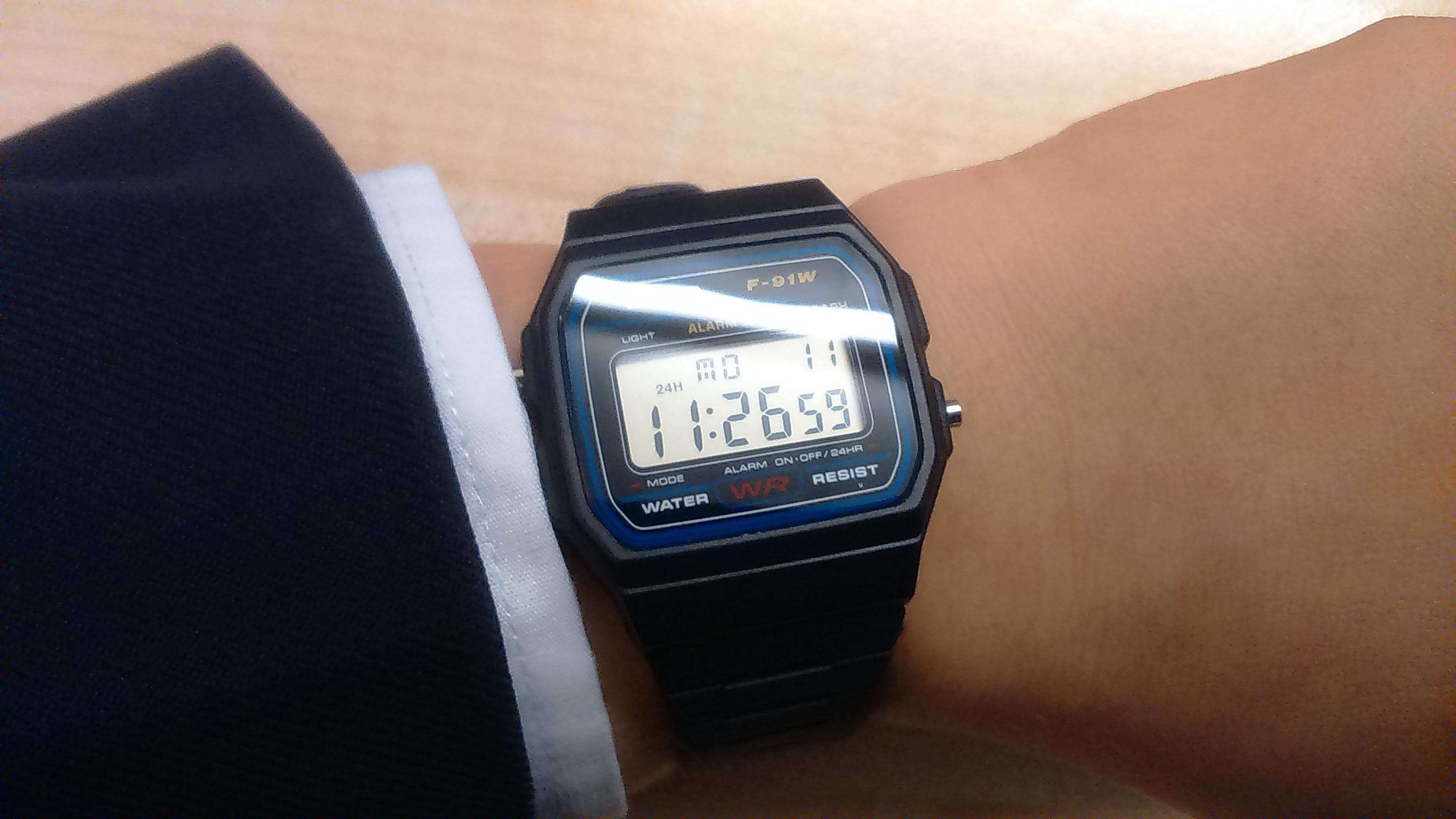 0e6b3aa9adbf Unisex Casio Classic Alarm Chronograph Watch (F-91W-1XY)