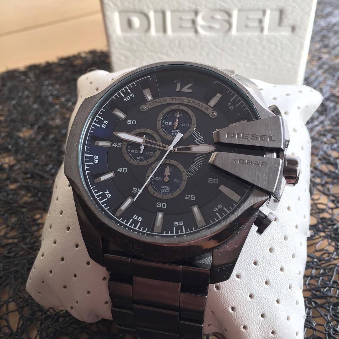 Brand Diesel watches images review