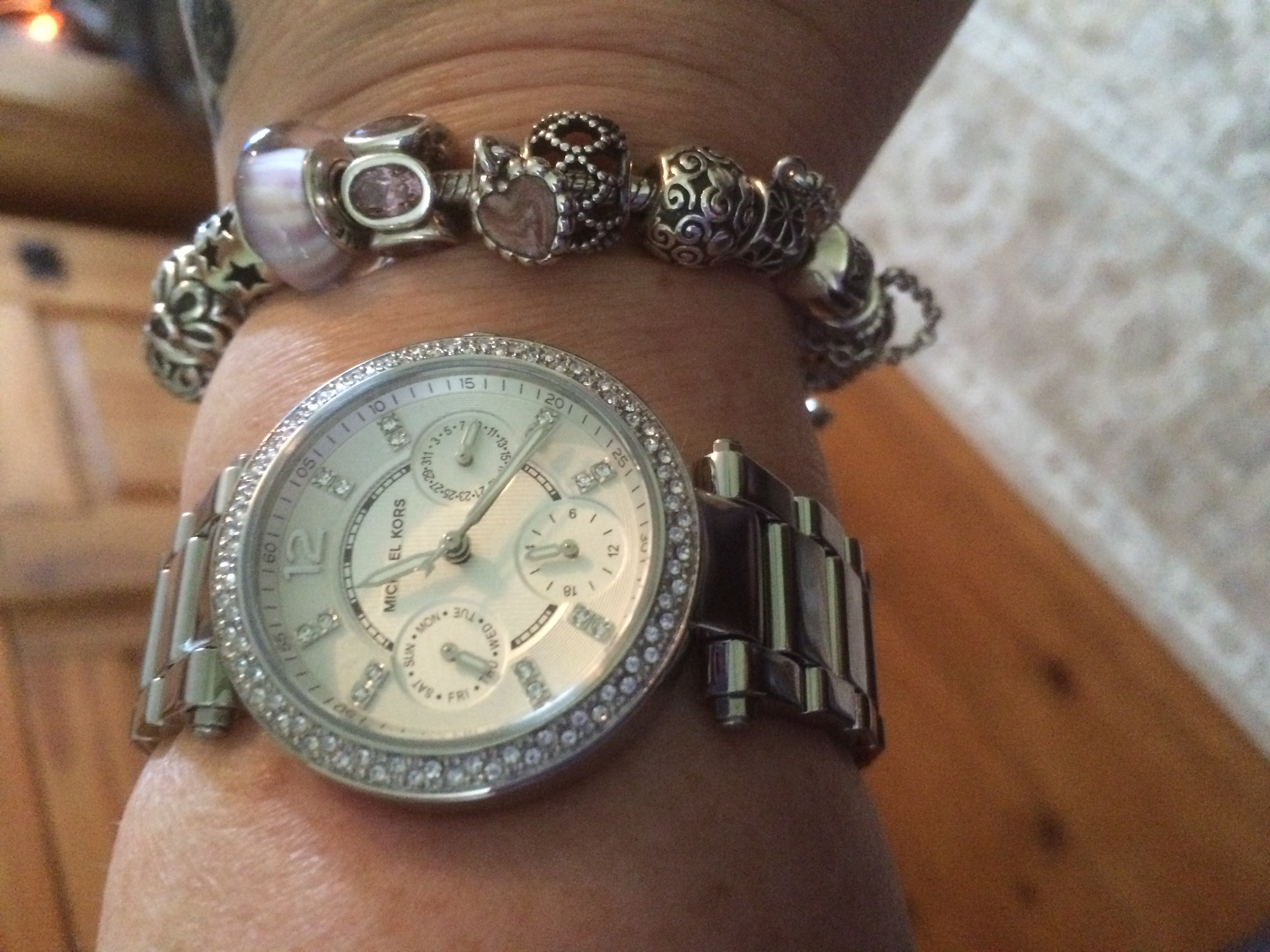 41d54ad6e7e2 Lovely watch my wife was very pleased with it. Excellent service fast  delivery.