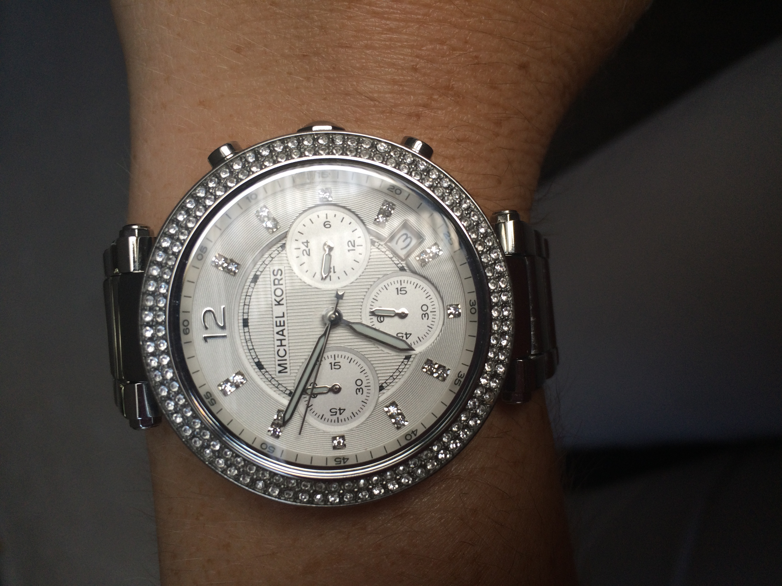 1f69205bb4cb I received the Michael Kors silver Parker watch for my birthday after  wanting one for a long time! I was not disappointed it is beautiful and Ive  received ...