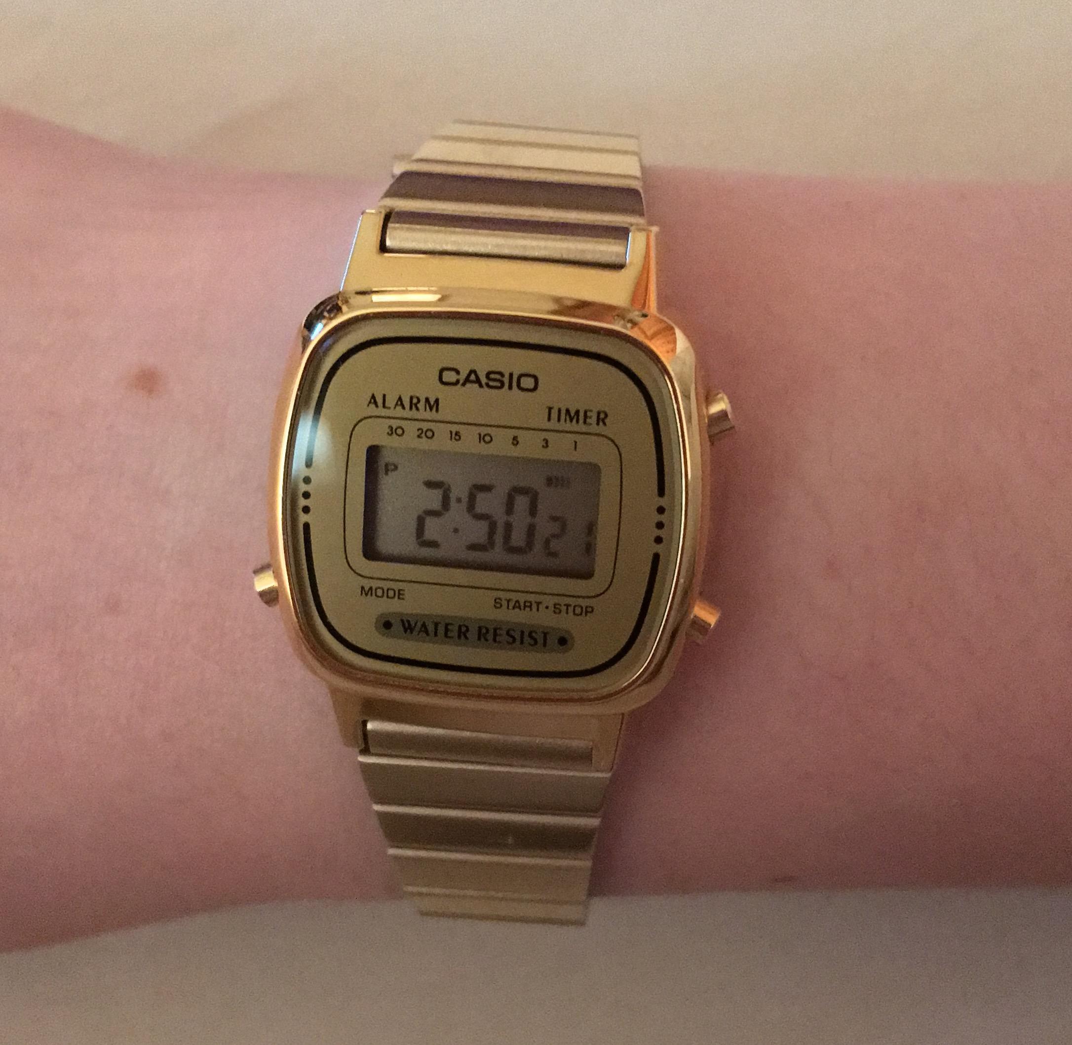 Casio Classic Collection Damenchronograph In Gold La670wega 9ef De