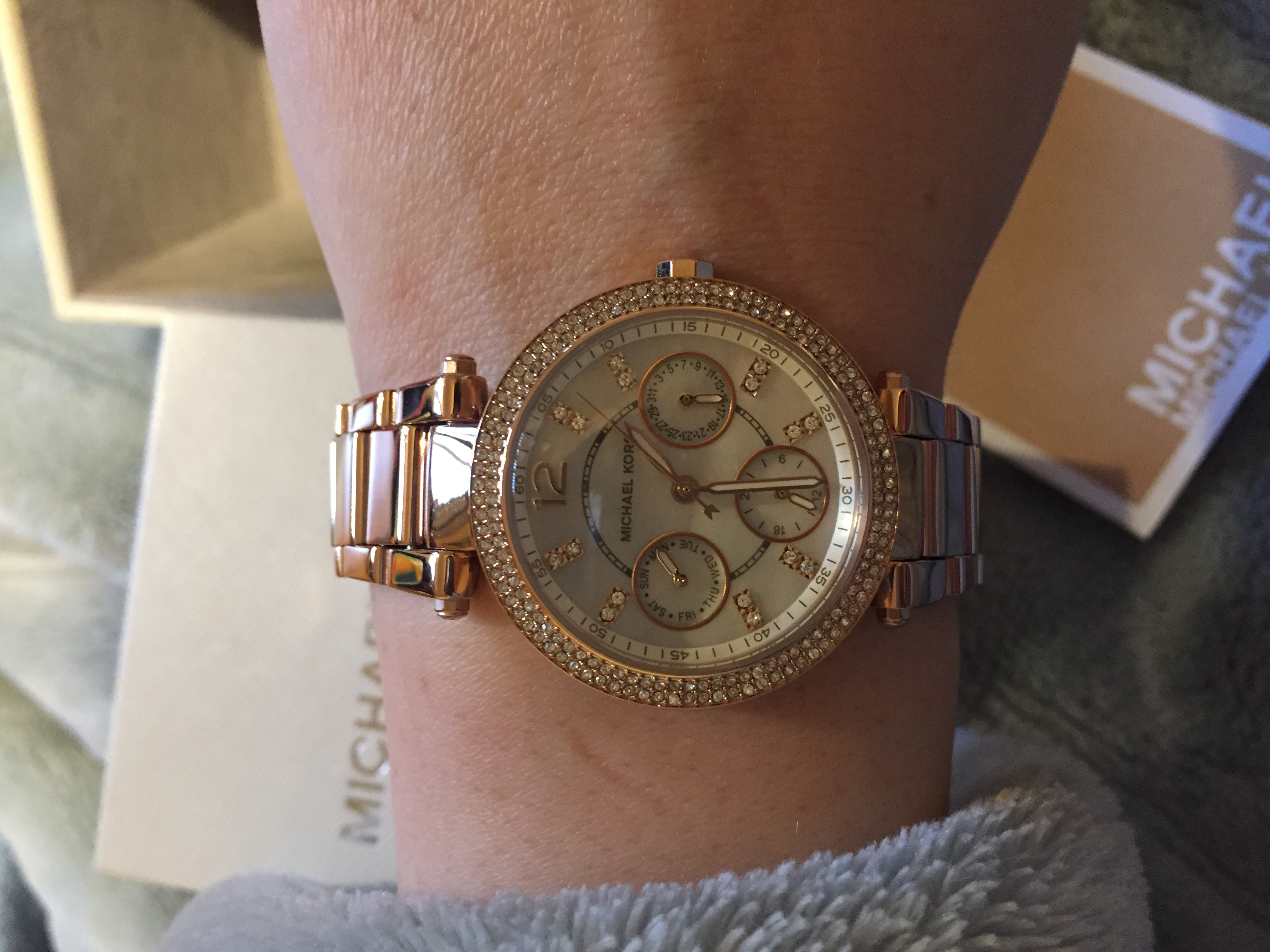 be5d2385167b I am very happy with my gorgeous new Michael Kors watch and the service I  received from the watch shop.