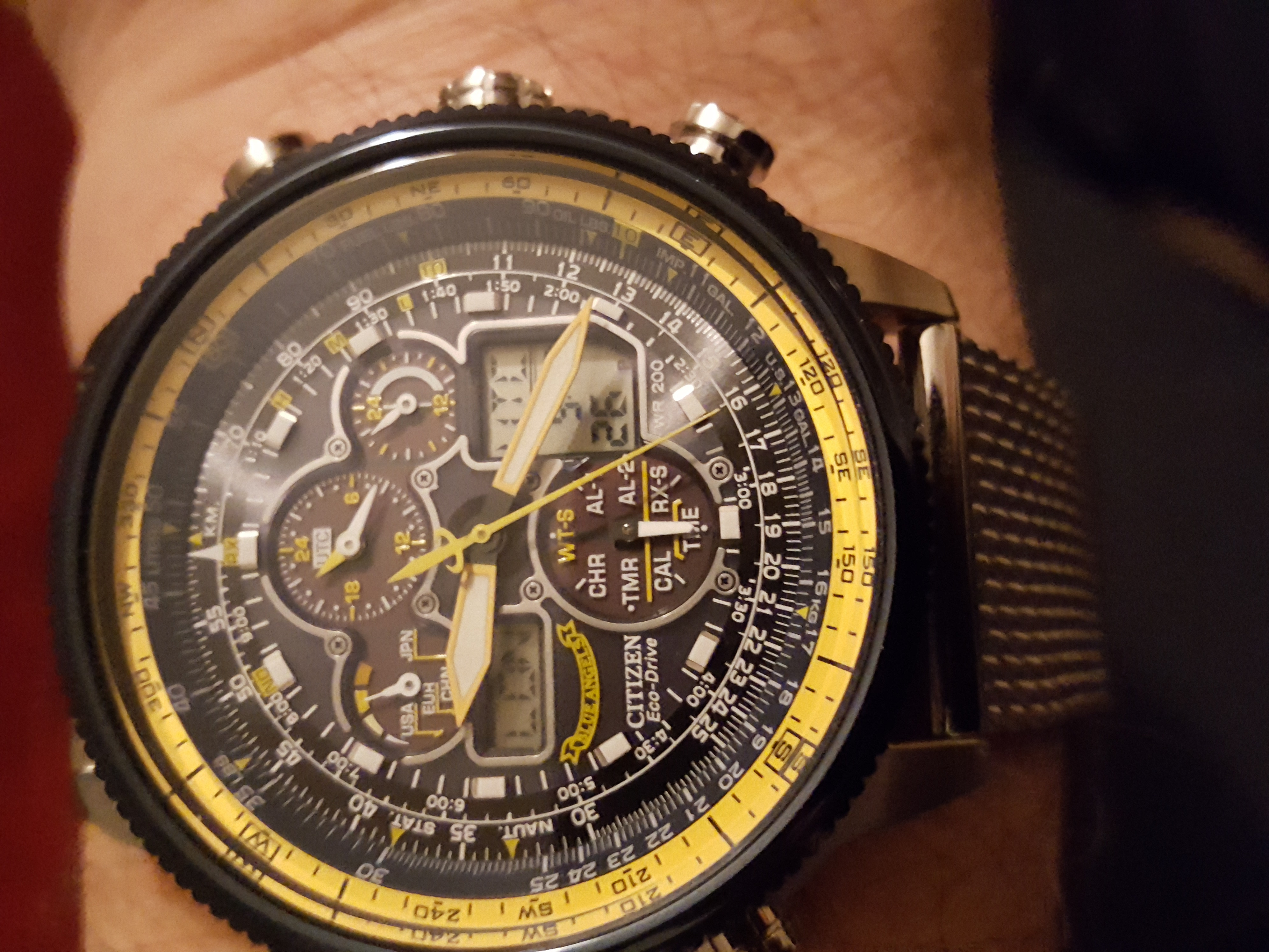2213fb81acb28 Its superb watch well made and nice and chunky as i only where it as a  going out watch its so well made and you get a 5-years guarantee so great