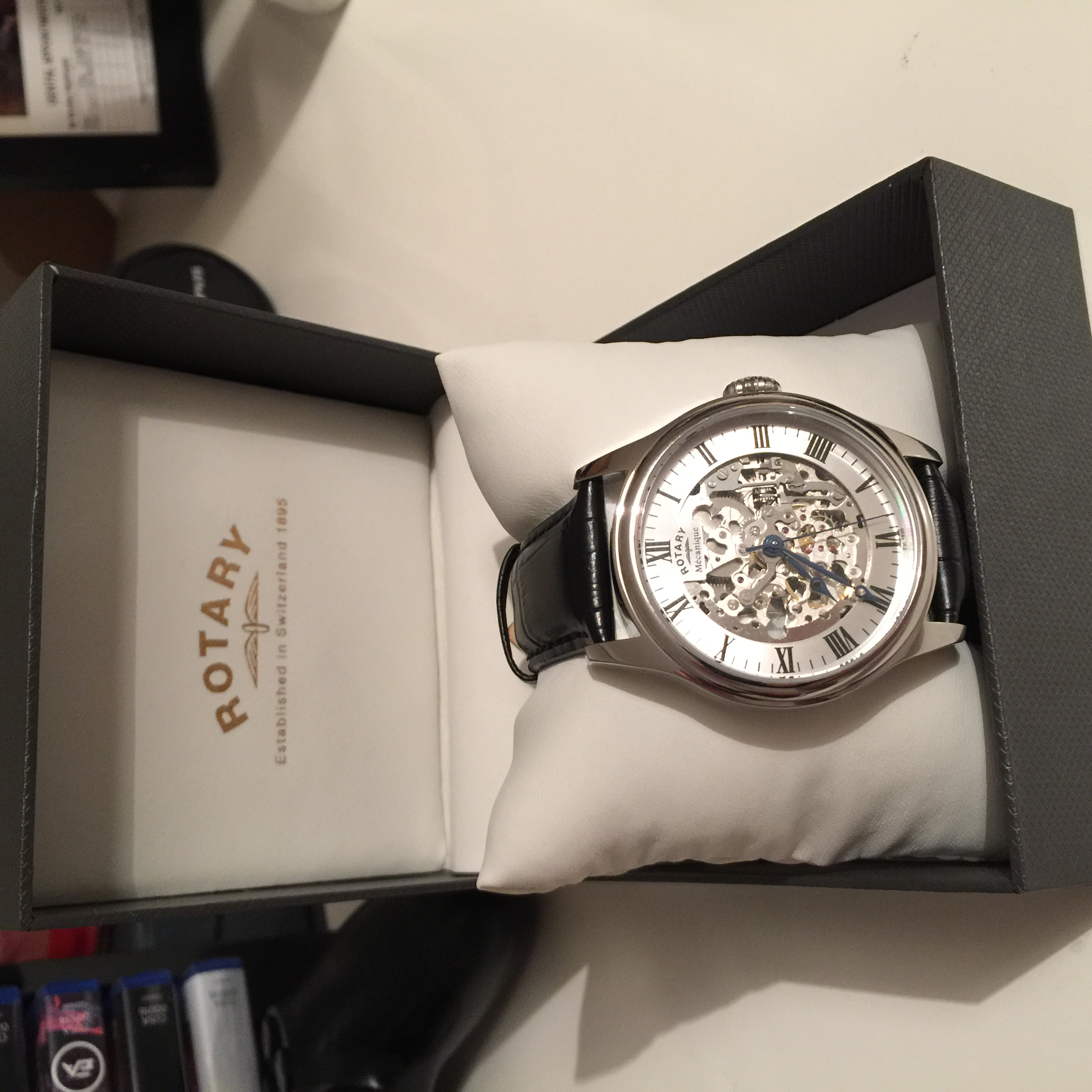 05f0e7e181d8 I saw that the watch was reduced to over 50% off and I thought