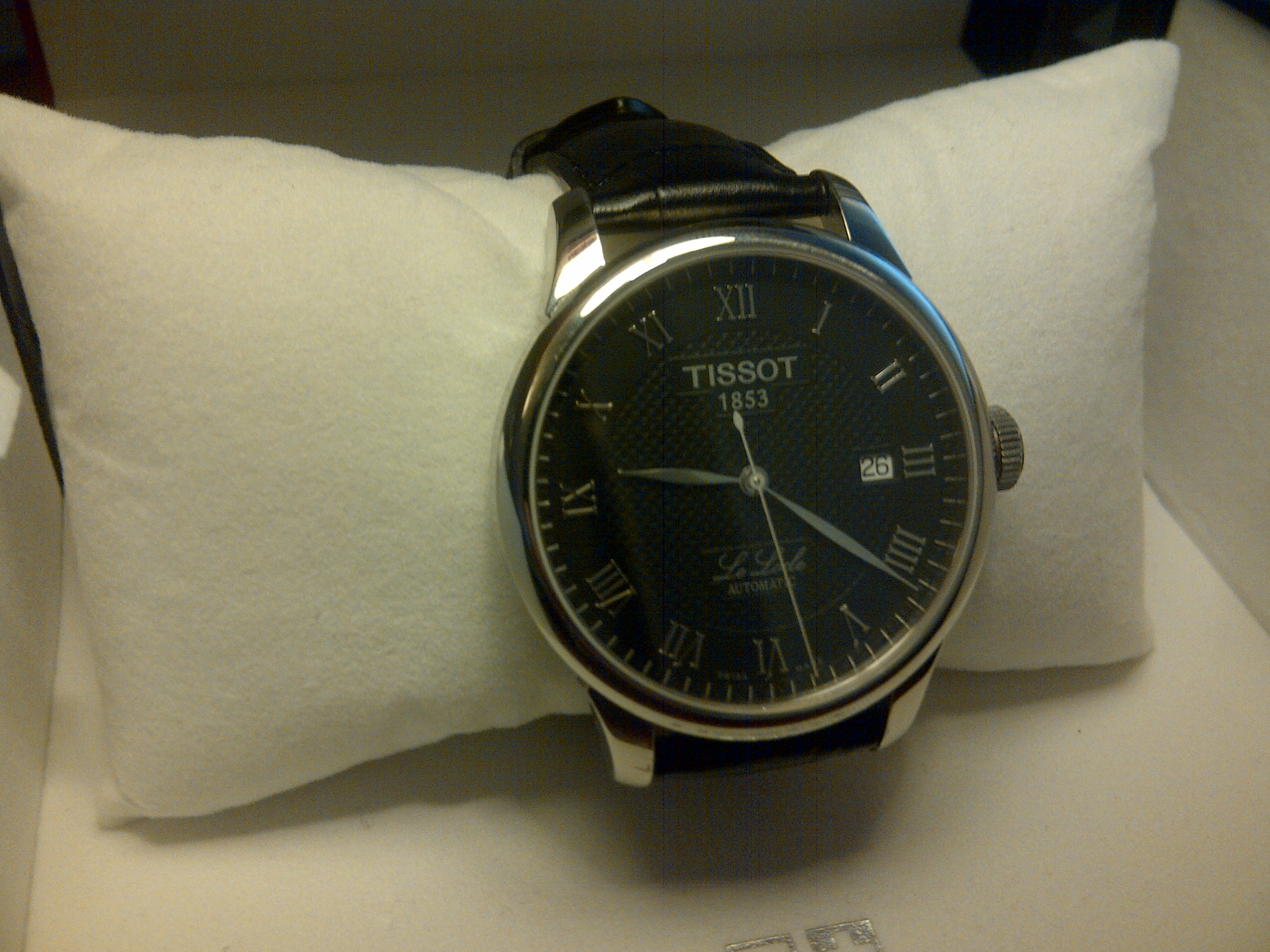b464548f3 I found myself lucky to buy the last one in stock on this website, as I was  looking for this watch ...