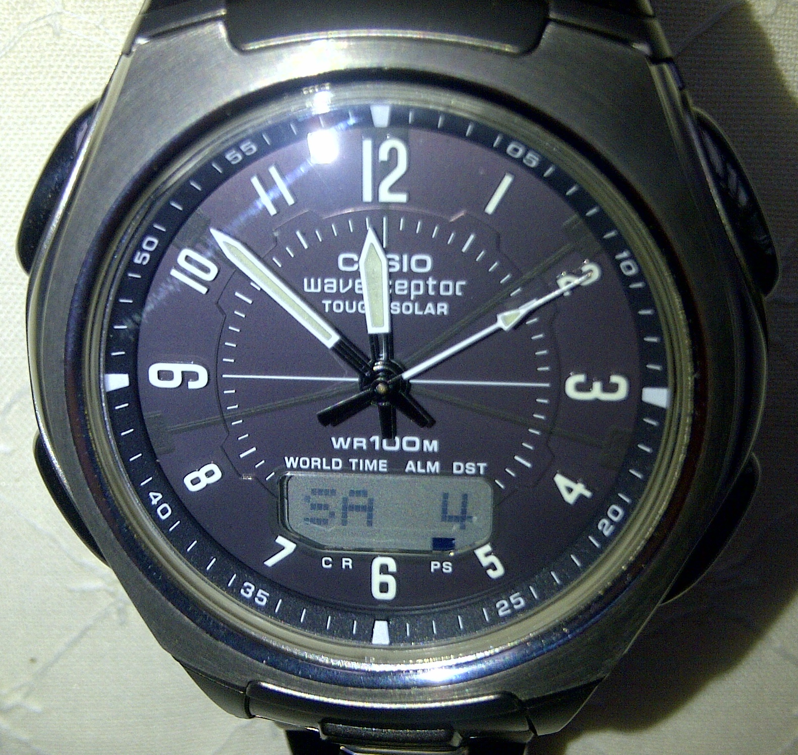 Gents Casio Wave Ceptor Alarm Chronograph Watch (WVA-430TDE-1A2VER) |  WatchShop.com™