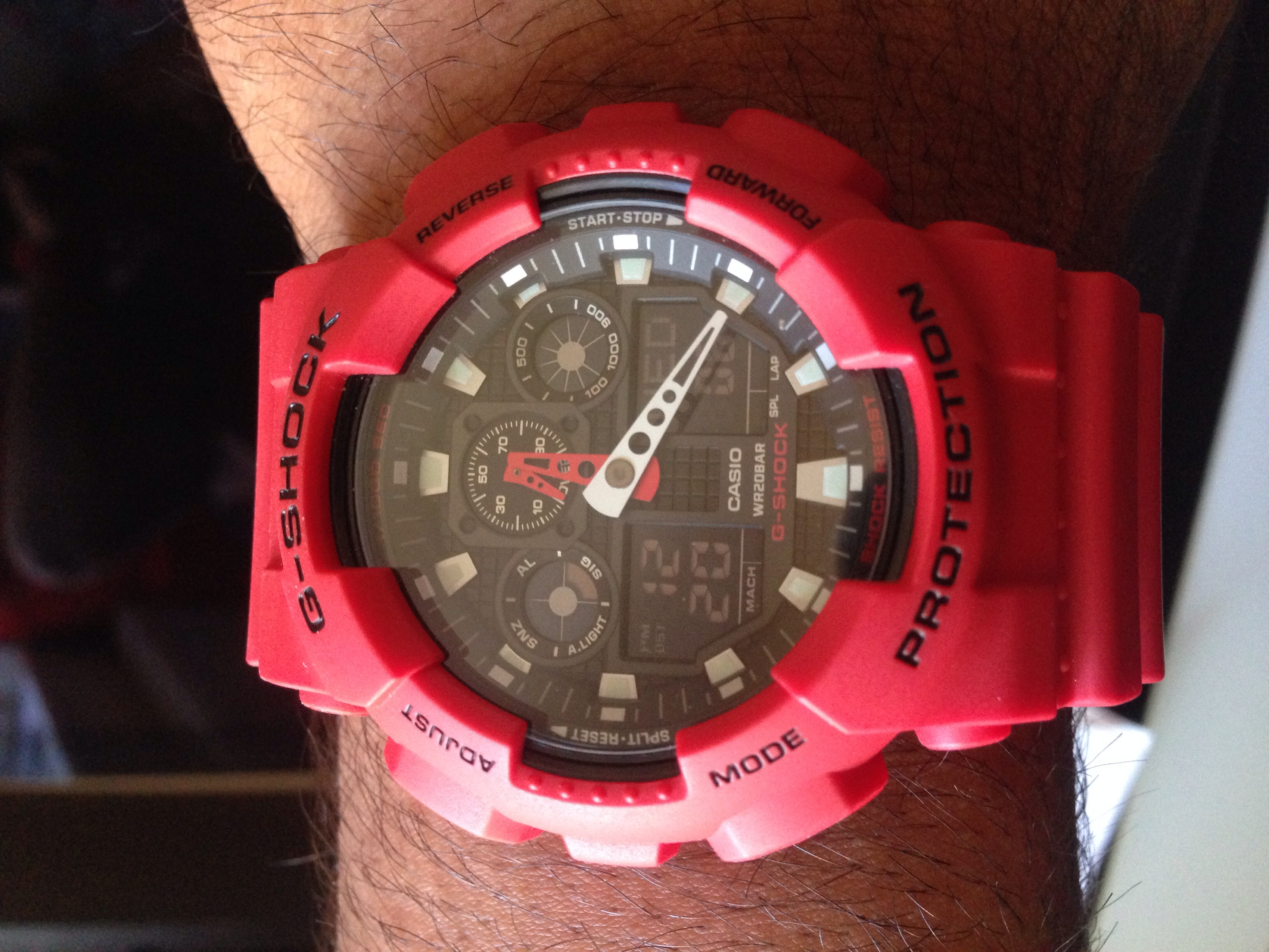 Brilliant service and with G Shock you cant go wrong really. Watch was  received the very next day. I was kept up to date regarding the order and  delivery. 4be0df203