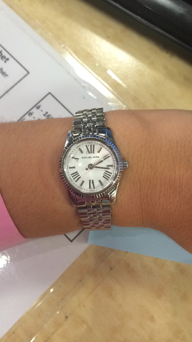 9ca4ebabcbd This Michael Kors Lexington watch is beautiful and classy. I own 2 MK  watches - one with a big face and this one. With the Lexington I love that  its small ...